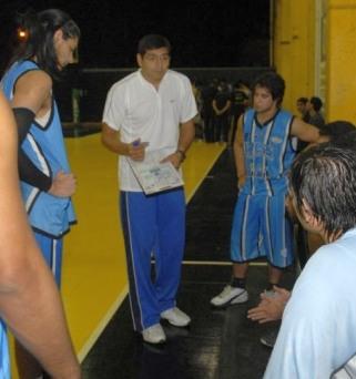 JULIO HEREDIA es el coach de la selección tucumana U13