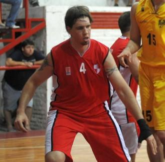GRAN TAREA. El obereño Víctor Sudol anotó 20 puntos, bajó seis rebotes y dio tres asistencias en Orán. LA GACETA/ ENRIQUE GALINDEZ.