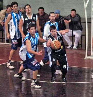 DUELO DE INTERIORES. Inochea (Estudiantes) y Contar (Atlético)