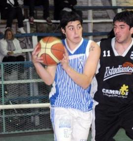 EFICACIA OFENSIVA. Sebastián Osores contribuyó en 24 puntos en Alberdi