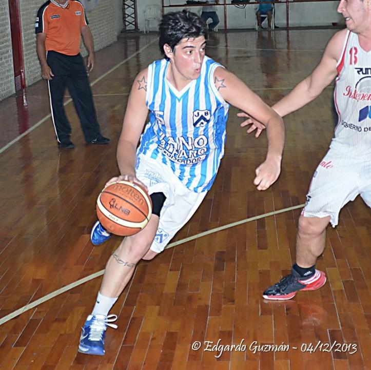 Sebastián Osores convirtió 36 puntos para la JBA