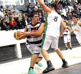 DOS DESTACADOS. Mario Yane, de Estudiantes, y Roberto Torres, del trueno verde.