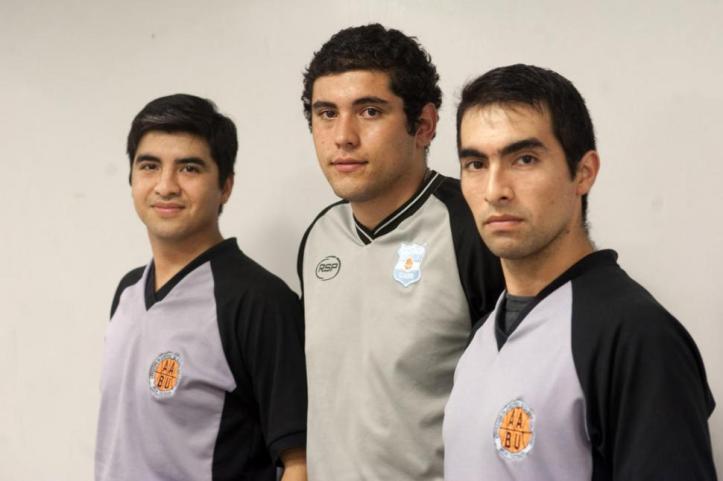 BUSCAN CRECER EN LA PROFESIÓN. Maximiliano Vargas, Santiago Luna y Tomás Vargas, caras nuevas entre los árbitros.