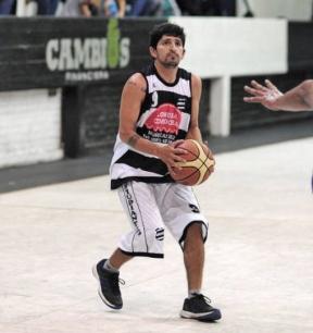 DE REGRESO A CASA. Mauricio Aredes dejó a Estudiantes y volvió a Huracán BB.