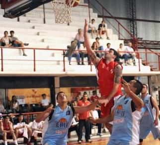"""FUNDAMENTAL EN EL """"ROJO"""". El salteño Facundo Arias Binda jugó un buen partido contra Juventud. LA GACETA/ FOTO DE HÉTOR PERALTA"""