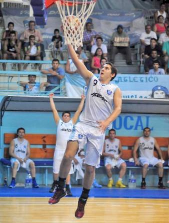 """CON LA """"9"""": Franco se convirtió en un jugador al que hay que seguir de cerca. Foto de Diego Aráoz (archivo)"""