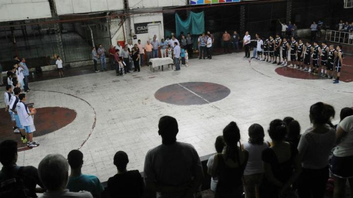 RECORDACIÓN. Una escena de la ceremonia para honrar la memoria de Mario Yane. FOTO DE INÉS QUINTEROS ORIO (LA GACETA)