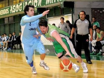 IMPUSO CONDICIONES. Mitre superó a Tucumán BB en un duelo caliente. Foto de Héctor Peralta