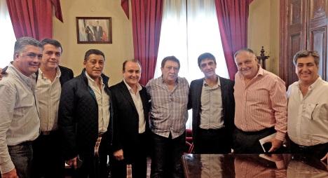 Miembros de la Asociación de Clubes, con la presencia de su presidente, junto a dirigentes de Asociación Mitre fueron recibidos por Pablo Yedlin, Secretario General de la Gobernación.